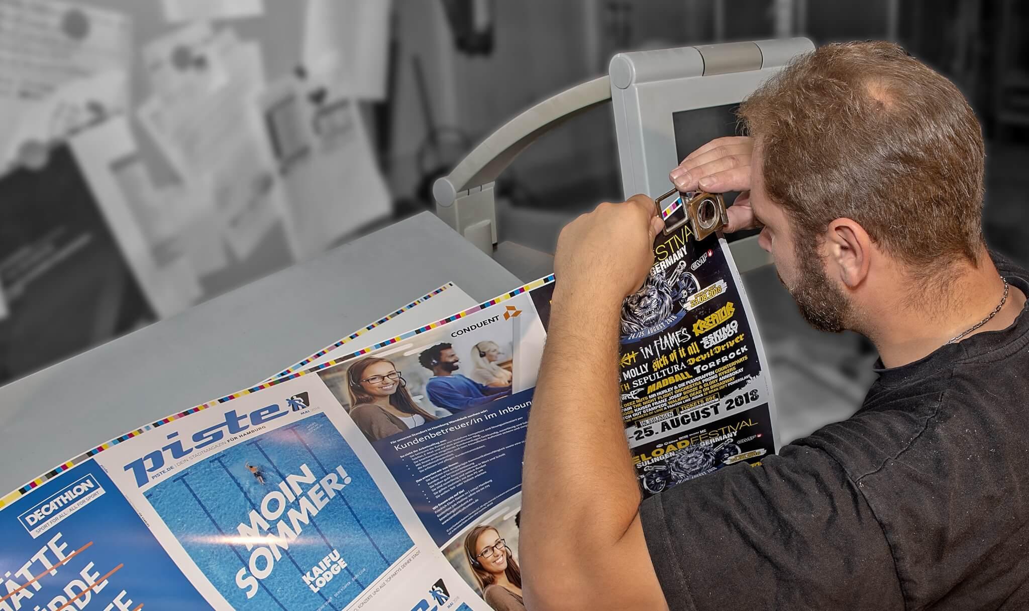 Qualitätskontrolle der Farbe - Ihre Druckerei in Lübeck